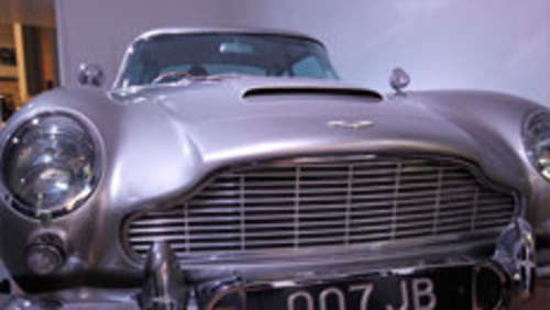 Video: James Bonds 007-Flitzer im Museum