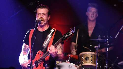 "Bewegendes Interview: ""Eagles of Death Metal"" wollen zurück ins ""Bataclan"""