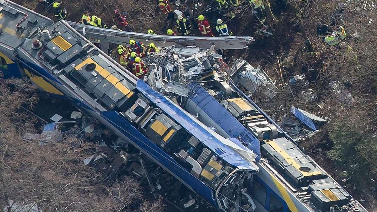 Mitarbeiter der Deutschen Bahn zum Zugunglück Bad Aibling ...