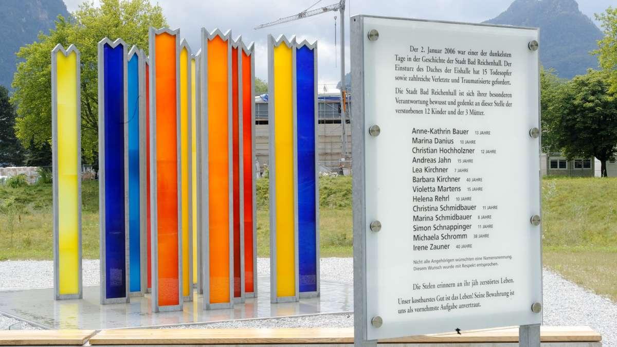 Unbekannte beschädigen Denkmal des Eishallenunglücks - mangfall24.de